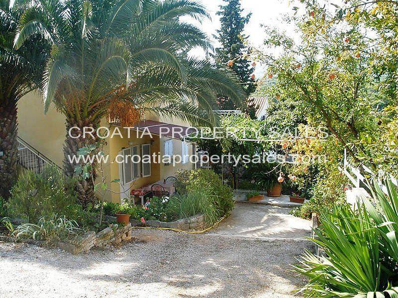 Hvar, House-Villa For sale