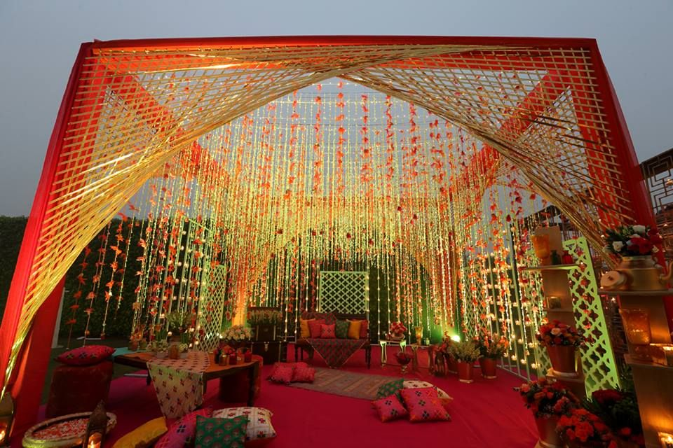 Perfect Mehendi decor!  #IndianWedding #weddingdecor #FlowerDecor #MehendiDecor #Ideas #Inspirations #Wedzo #WedzoWedding #Shaadi