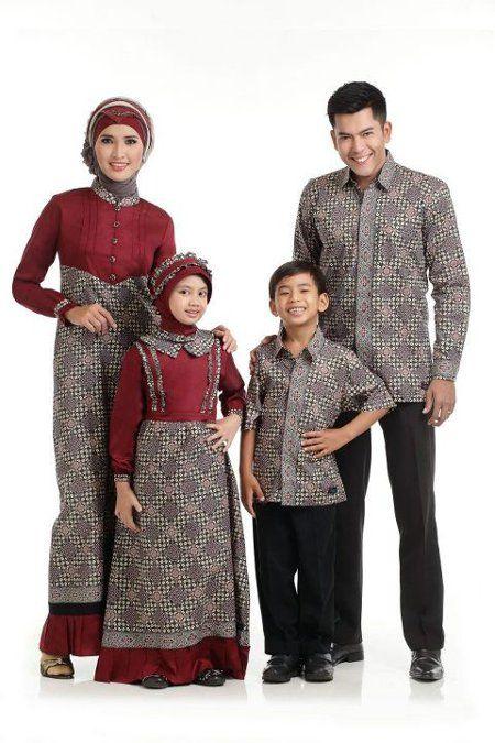 Foto Baju Batik Couple Ayah Ibu Dan Anak  b7b15d3dc6
