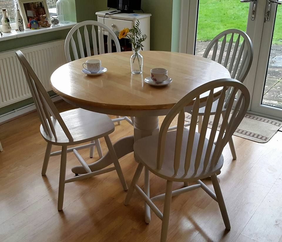 Painted round dining table  Pretty shabby chic painted round farmhouse kitchen table and