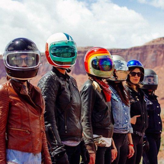 Biker girls #motorcyclesgirls #chicasmoteras | caferacerpasion.com