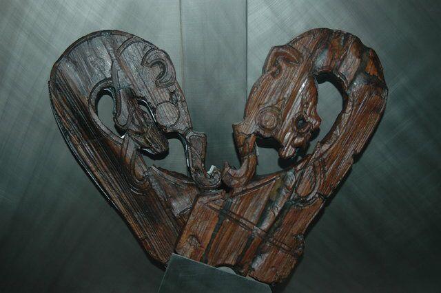 Kuva sivustosta http://liberallifestyles.com/wp-content/uploads/2013/10/vik-29-Oseberg-Ship-Viking-Ship-Museum-Oslo-Norway.jpg.