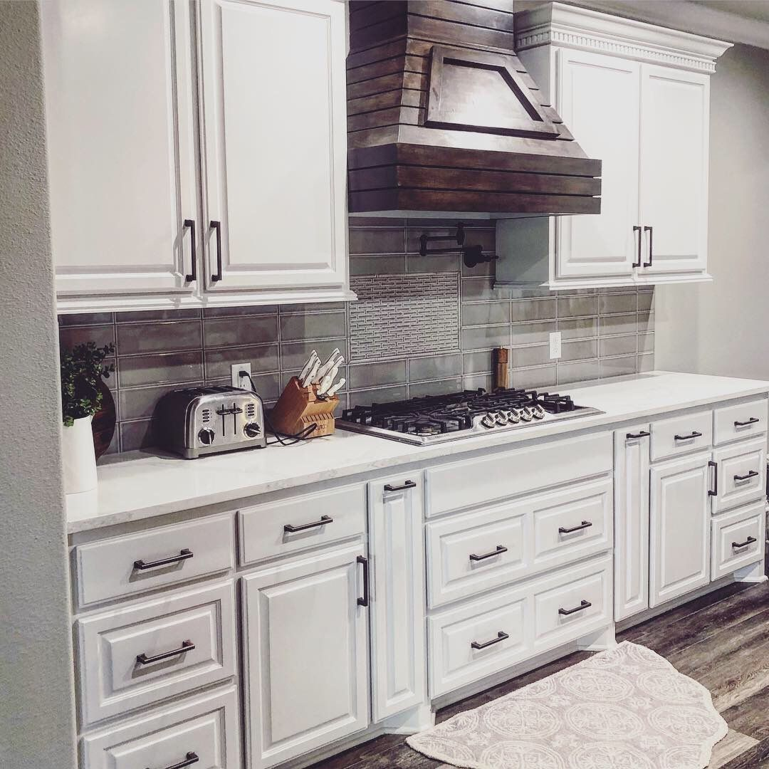Download Wallpaper White Kitchen Cabinets With Bronze Hardware