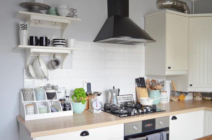 Sisters About Lifting kuchni Moja biała kuchnia IKEA w   -> Kuchnie Ikea Lódź