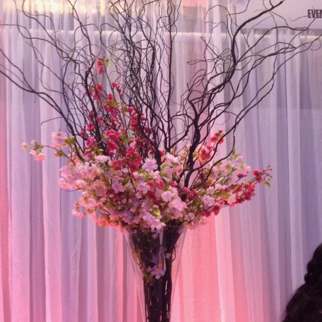 Pin By Florists Review On Curly Willows Wedding Vases Tree Branch Centerpieces Vase With Branches