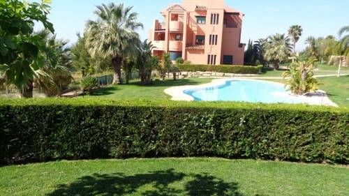 Sierra Cortina Apartment Finestrat Sierra Cortina Apartment is a detached holiday home featuring a garden with an outdoor pool, set in Finestrat. The air-conditioned unit is 4.1 km from Benidorm, and guests benefit from free WiFi and private parking available on site.