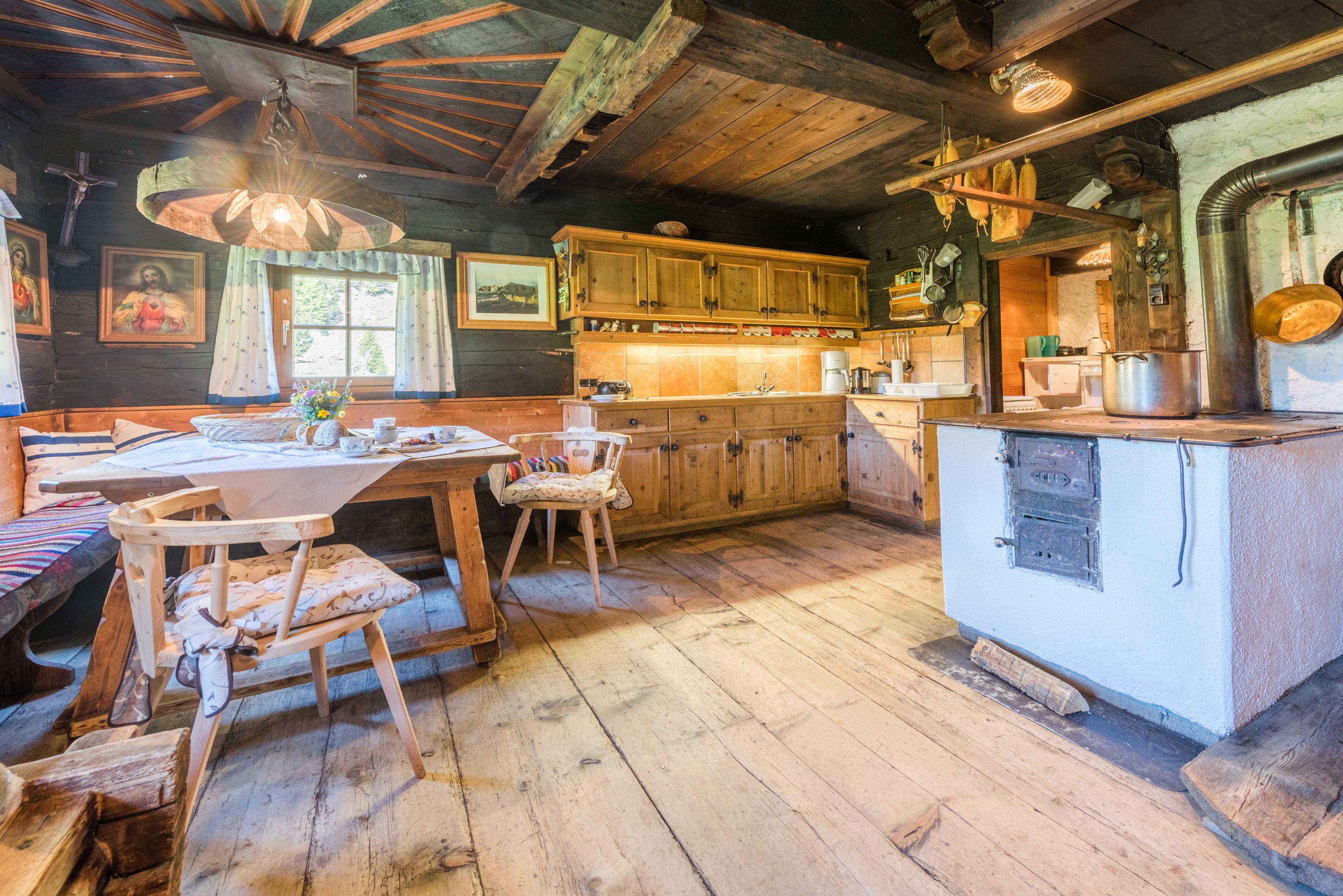 Hutte Mieten In Tirol In 2020 Altes Haus Renovieren Hutte Mieten Altes Haus