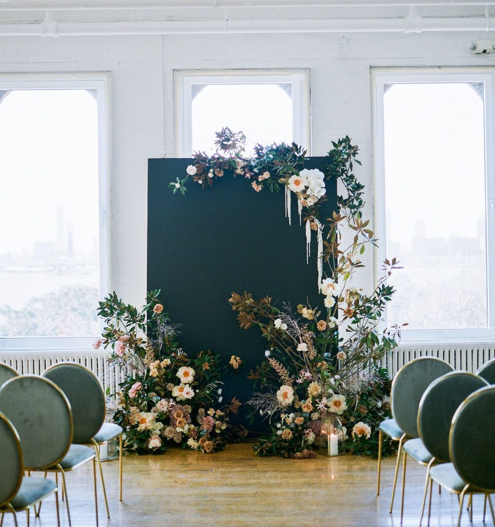 Feminine Meets Modern for a Moody Wedding in an NYC Loft ⋆ Ruffled