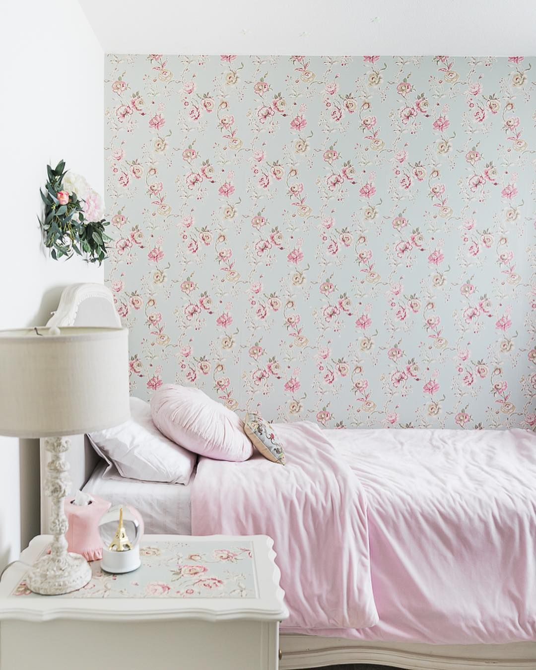 Today I M Sharing How To Hang Wallpaper On One Wall In A Room Also How