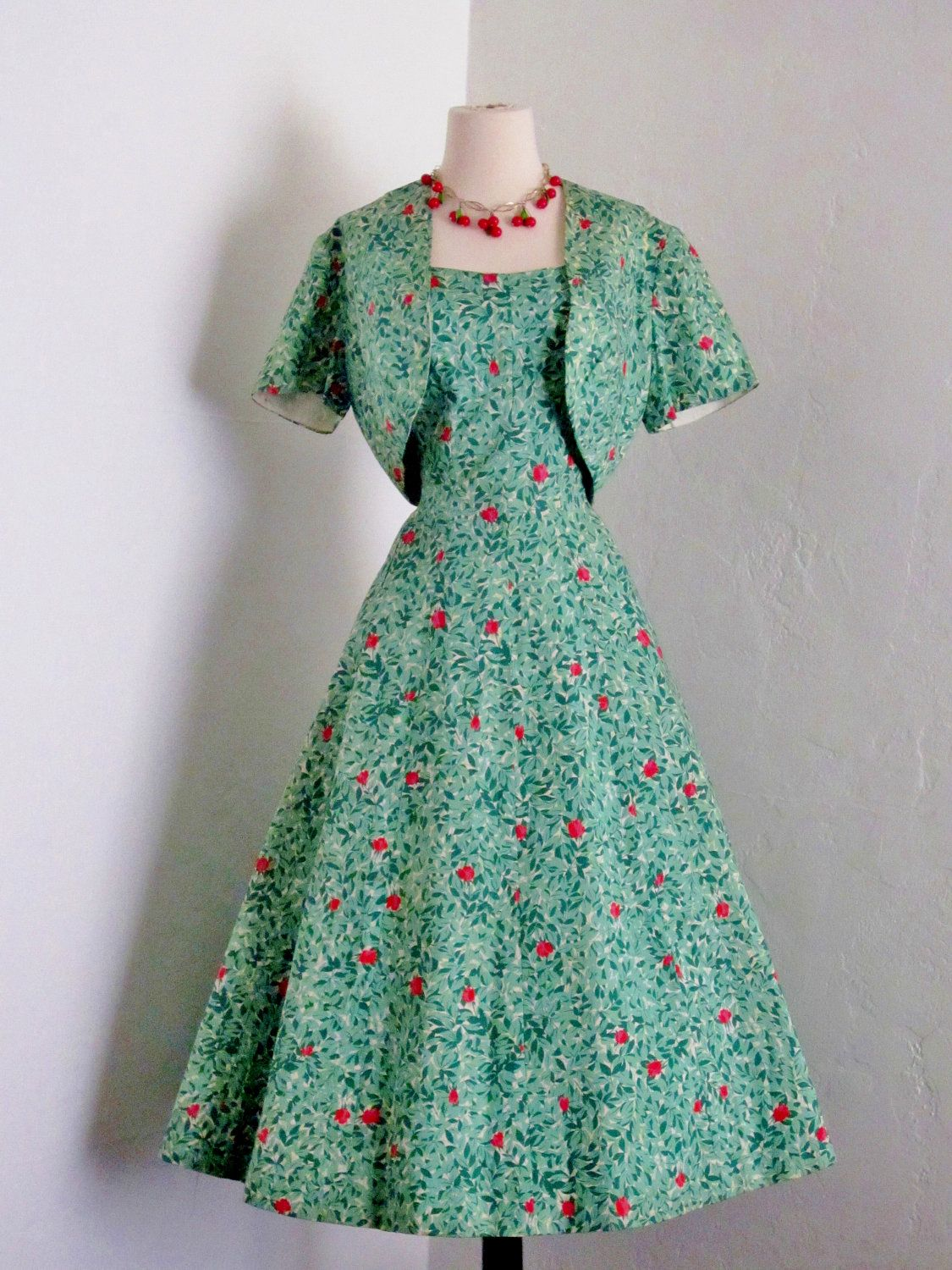 vintage 1950\'s Pat Premo fab leaves rose buds and leaves novelty ...