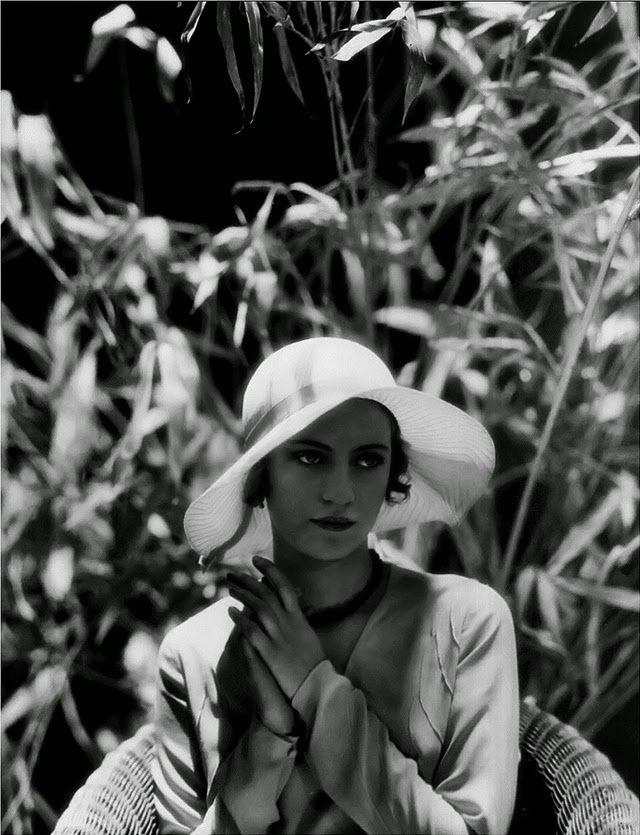 Lee Miller, 1928