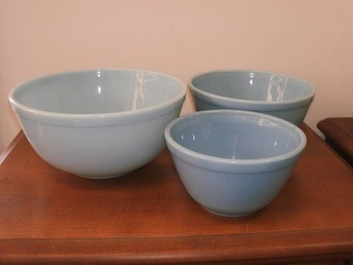 Vint PYREX Blue Delphite 3 Stack Bowl Set | for 40.