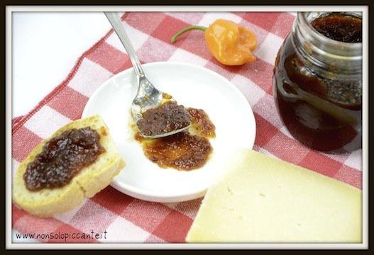 Marmellata di peperoncini e aceto balsamico