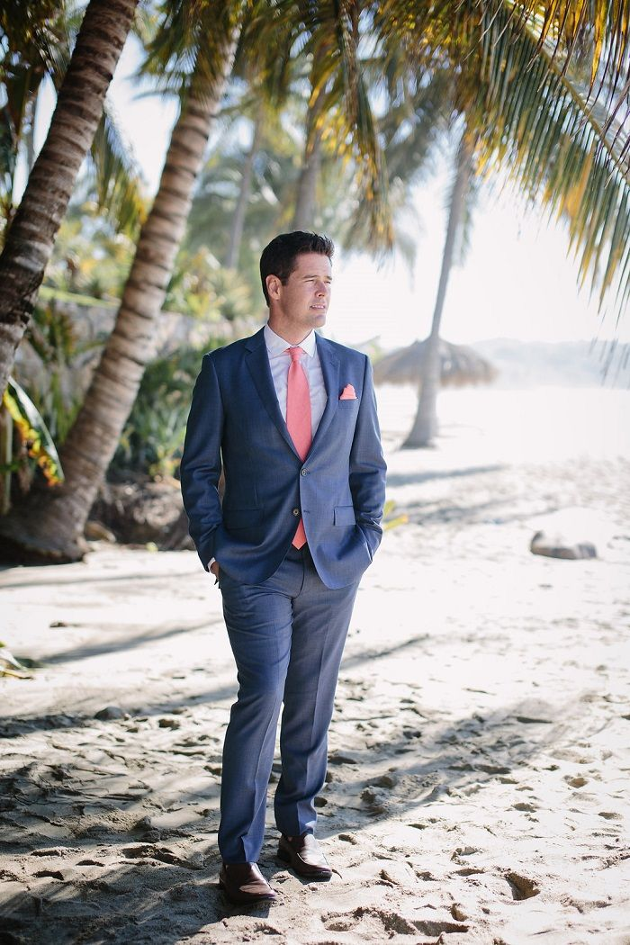 Groom in navy blue and coral | Fabmood.com