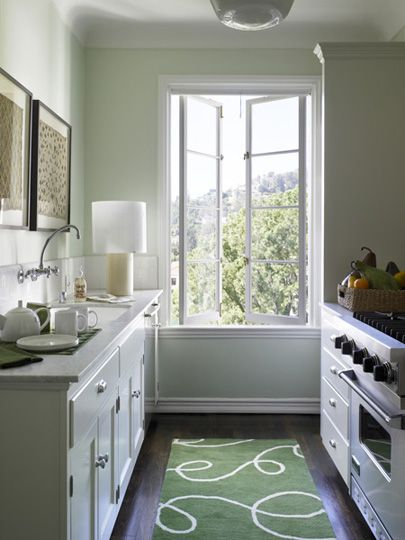 """caitlin needs a green rug in her kitchen!  it will make your galley kitchen """"pop""""  Los Angeles California Pied A Terre // VINCERE 