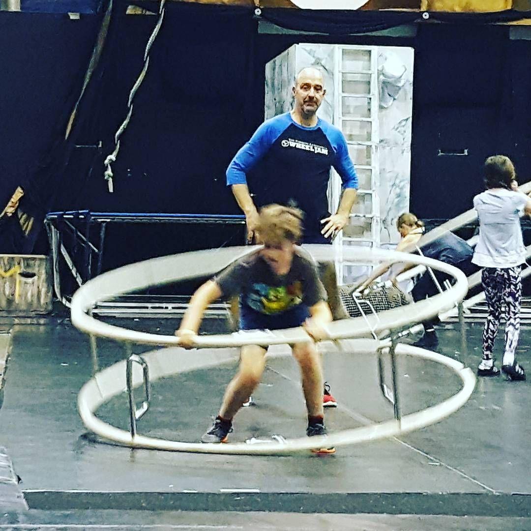 """Gefällt 9 Mal, 1 Kommentare - Mel (@swismiself) auf Instagram: """"Always our best day . . . #circusjuventas #circus #germanwheel #wheelgymnastics"""""""