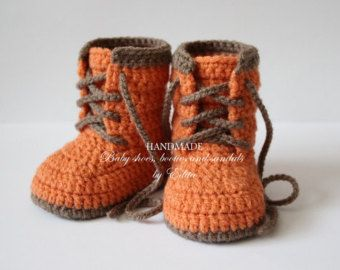Crochet baby booties, unisex baby shoes, boots, baby sneakers, brown, apricot, baby shoes, baby boy shoes, baby shower, high tops