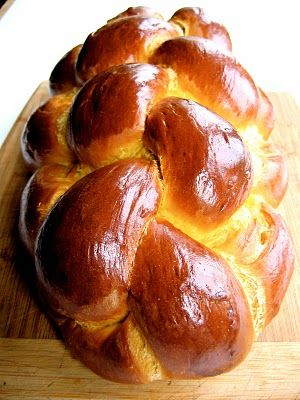 Pumpkin Challah -- perfect for the Thanksgiving / Hanukkah family gatherings