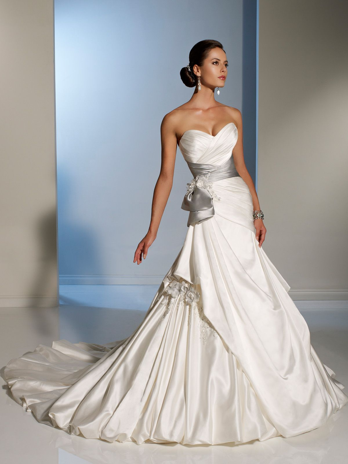Weddingdress Weddinggown Lace Satin Tulle Elegance Unusual Unconventional Princessgown Princess Sophia Tolli More On