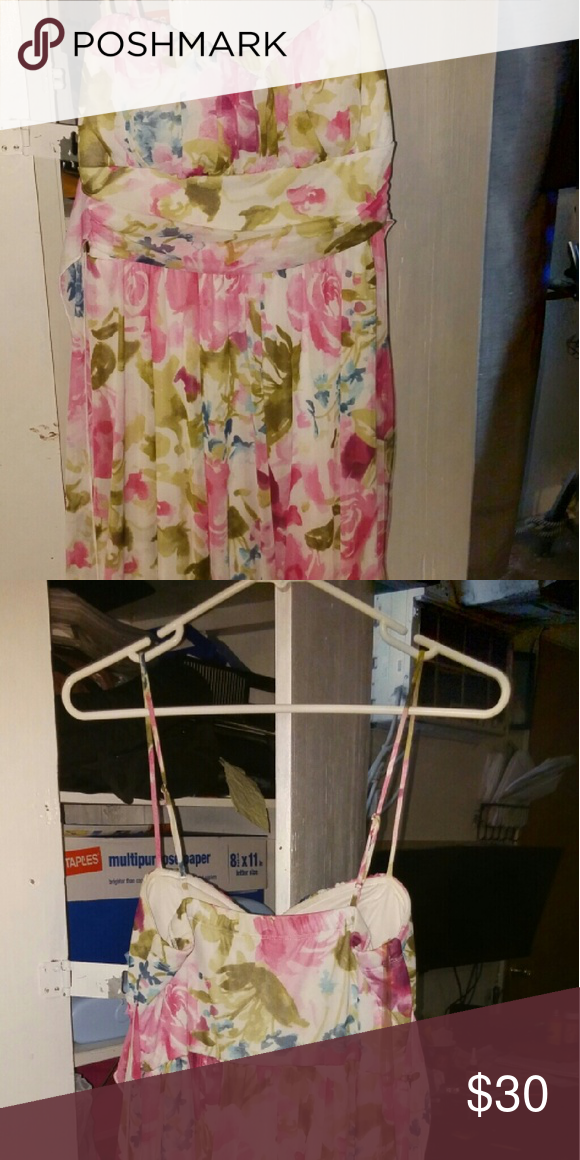 Dress Flower dress only worn once  Bundle to save I will accept offers in comments Forever 21 Dresses Mini