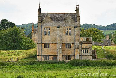 Traditional Stone Medieval English Village House By Chris Lofty Via Dreamstime