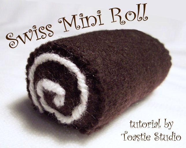 DIY Felt Swiss Mini Roll Cake #DIY #Sewing #Sew #Toys #FeltFood #PlayFood #Kids #Toddlers #Cakes