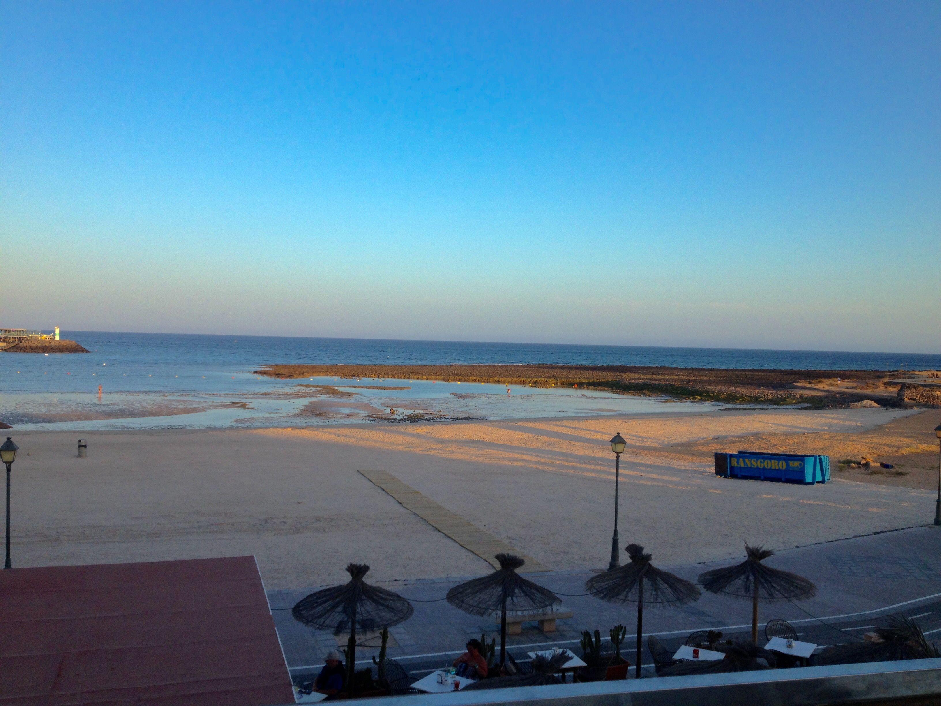 Playa de Caleta de Fuste al atardecer