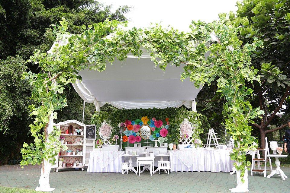 Pernikahan bertema garden party img1373 semi outdoor pernikahan bertema garden party img1373 junglespirit Images