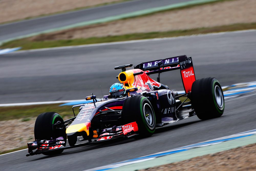 F1 Photo Gallery New 2014 Cars In Action During Winter