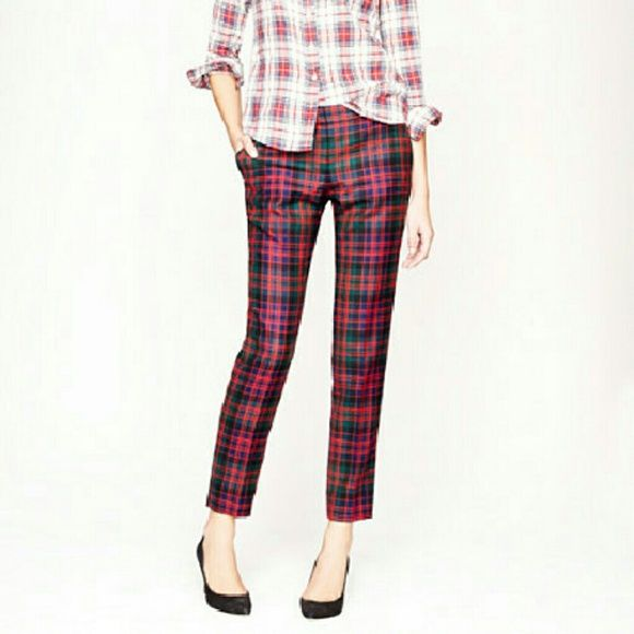 Jcrew city capri plaid like new condition, cute plaid capris, green blue red plaid, only reasonable offers please J Crew Pants Ankle & Cropped