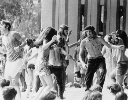 hippie dancin'