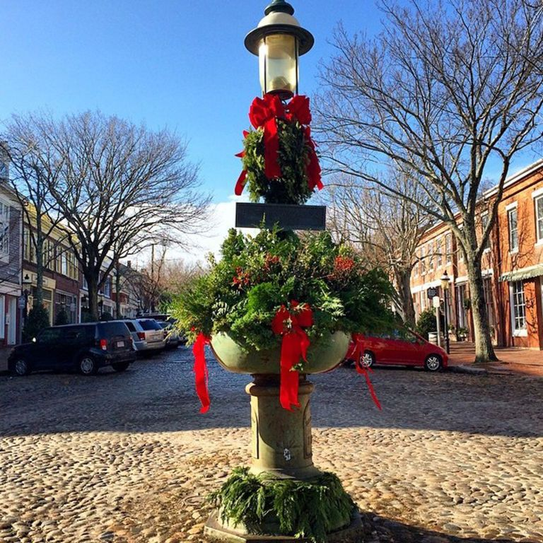 A Very T&C Holiday Tradition Nantucket's Christmas Stroll