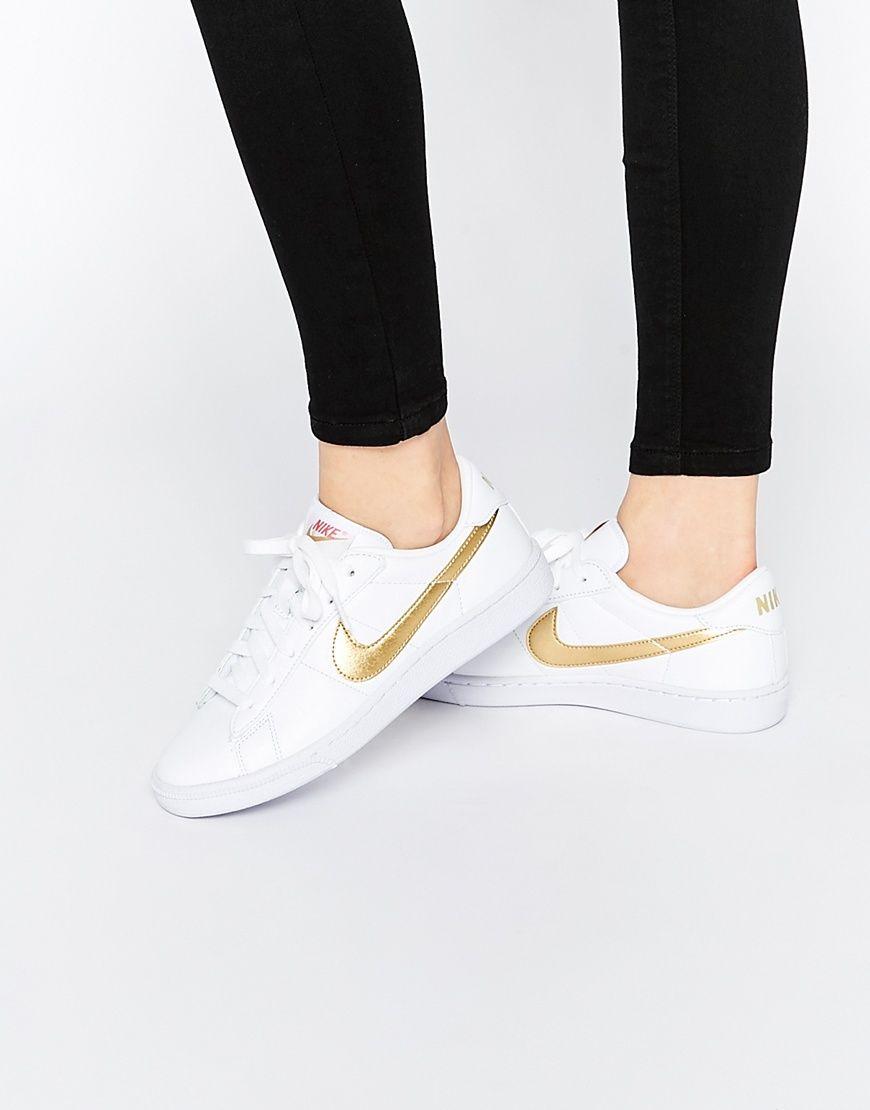 Image 1 - Nike - Baskets classiques avec virgule dorée effet métallisé -  Blanc