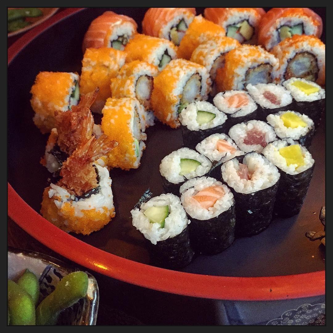 Sushi-time bij #Coco! :-) #eten #myview