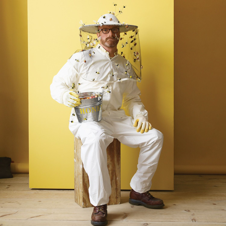 Beekeeper Costume Homemade halloween costumes, Easy