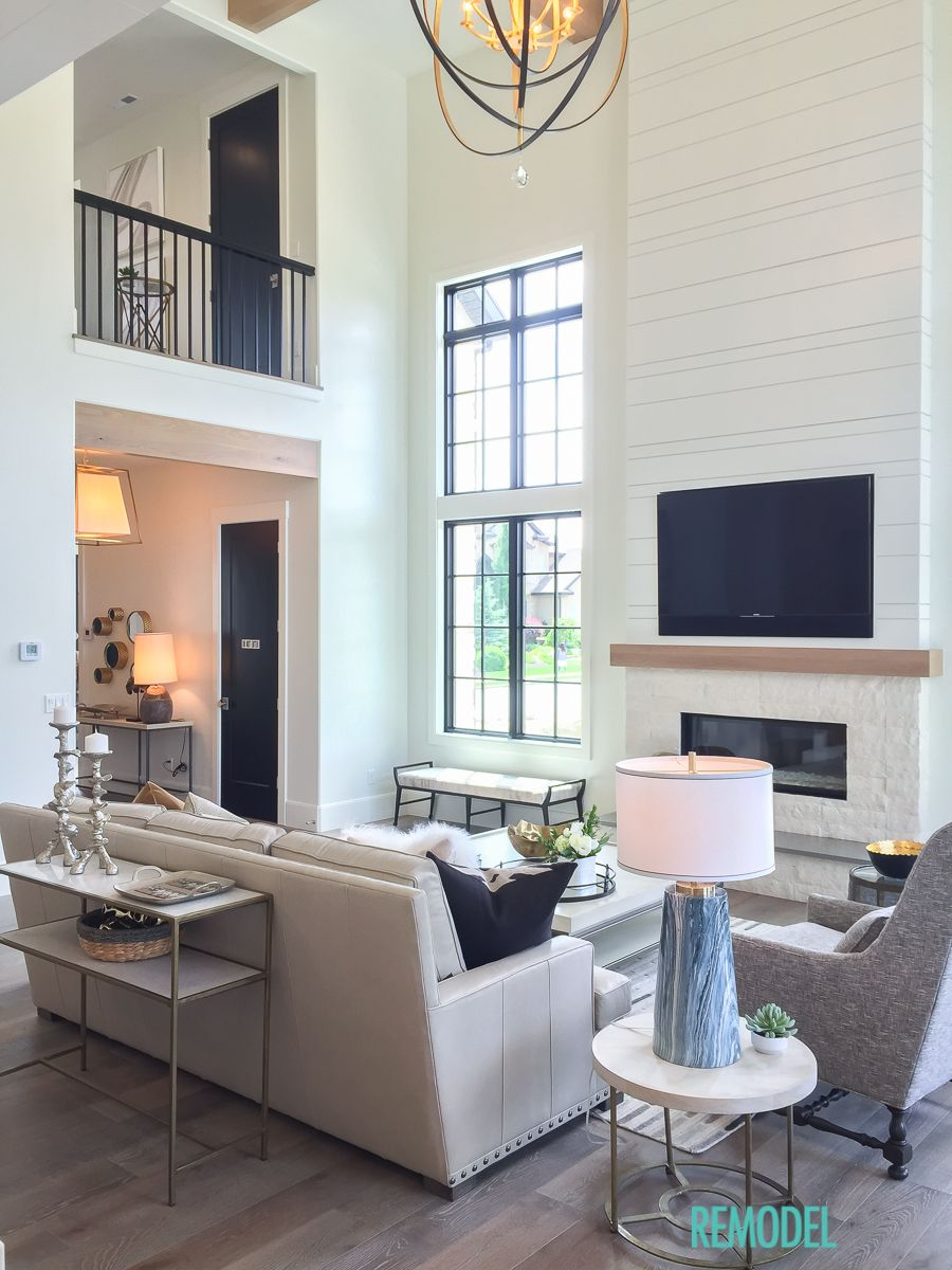 Modern farmhouse living room fireplaces modern - Modern farmhouse living room ideas ...