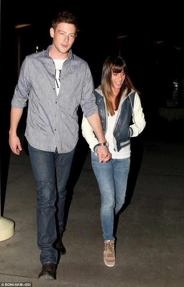 Lea Michele och Cory Monteith dating 2011 Г¤r tio ГҐr en stor ГҐlders skillnad dating