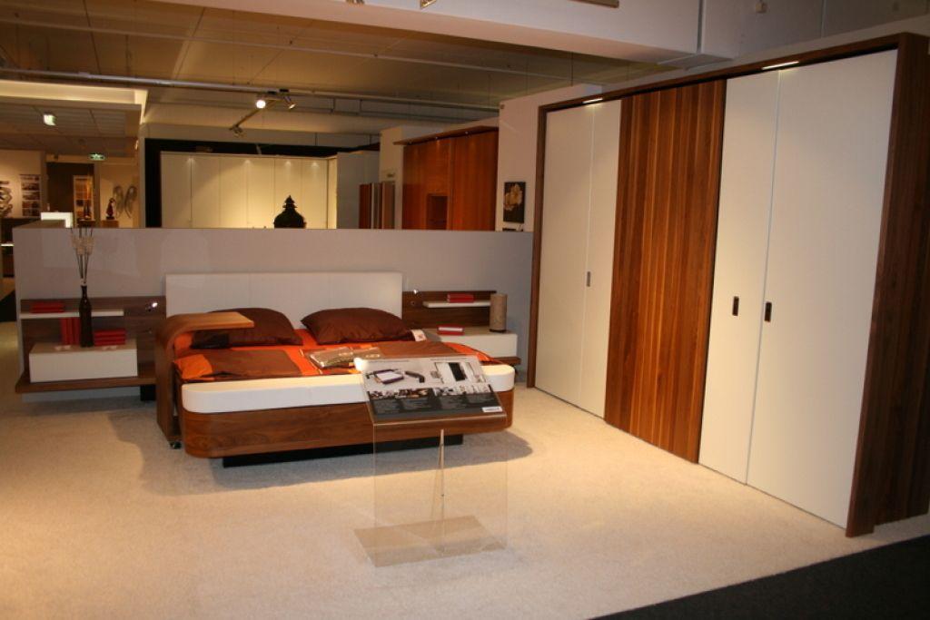 überbau Schlafzimmer ~ Schlafzimmer schrank u homeandgarden minimalist house