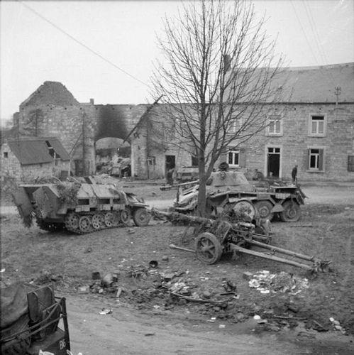 Abandoned German equipment. Celles, december 1944.   Véhicules militaires,  Bataille, Guerre mondiale