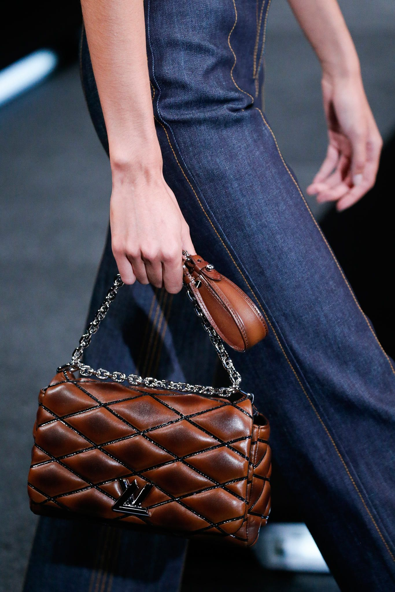 ea1727c67bf1 Louis Vuitton Spring 2015 Ready-to-Wear Accessories Photos - Vogue