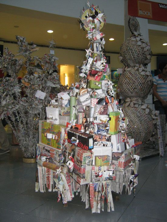 Christmas Trees Around The World Creative Christmas Trees Unusual Christmas Trees Christmas Tree Art