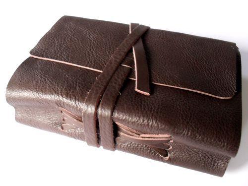 06953d39f3dd photo n°2   Beau carnet format voyage épais en cuir souple brun modèle Timu