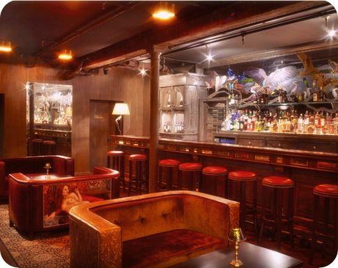 NYC Date Spot: The Vault at Pfaffs. | Bar design
