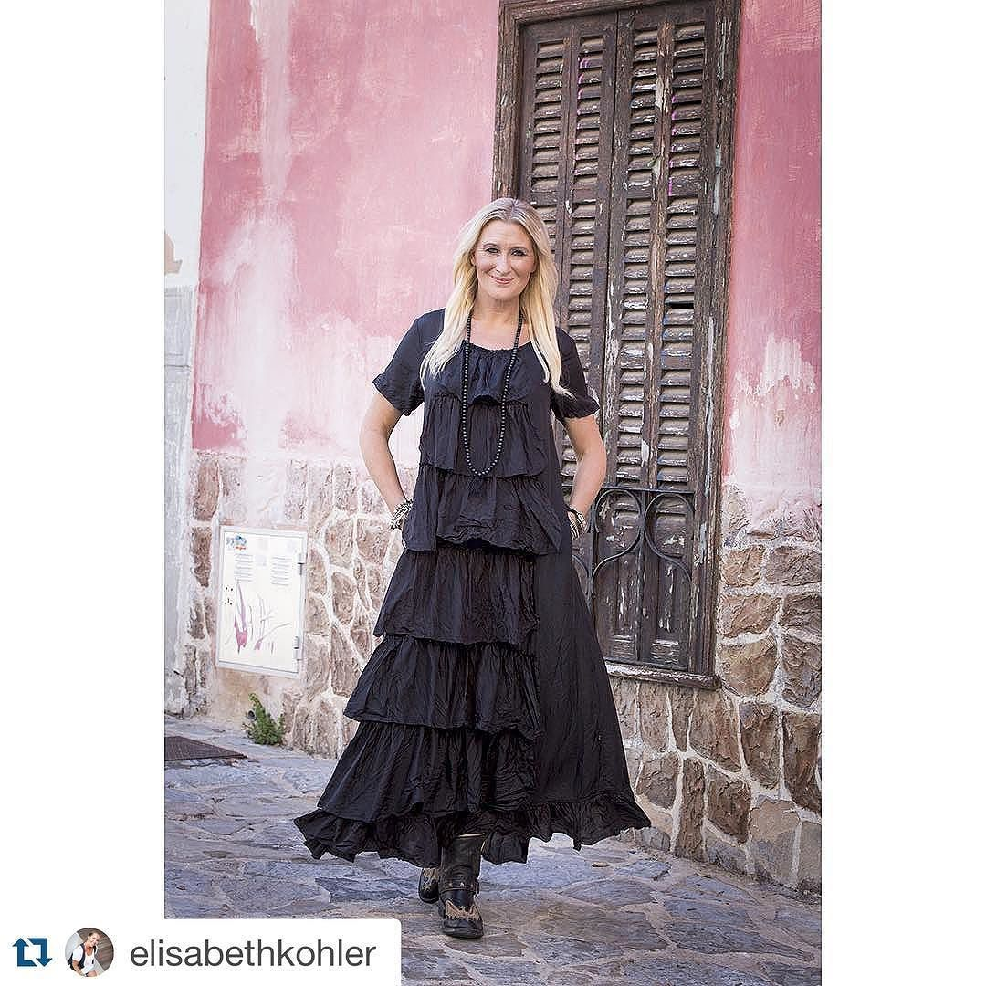 PROUD TO PRESENT  'BOHO BREEZE FW 16' TO RETAILERS   SELLING NOW! { in shops from August }  WANNA RETAIL FASHION A BIT DIFFERENT FROM OTHERS ?  info@agenciesturquoise.com  WE LE WHAT WE DO - FOR YOU !  #Repost @elisabethkohler  WHAT A BEAUTY  YES - Both The Magic 'Silk Magali Maxidress ' and @agenciesturquoise Designer Elina 'BOHO BREEZE COLLECTION FW16'  Selling to Retailers Now ______________ #agenciesturquoise #bohobreezecollection #magic #style #maxidress #black #silk #luxuryfashion…