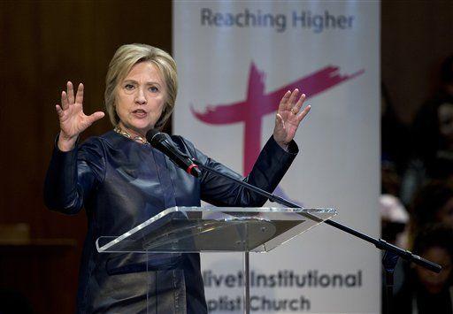 Clinton se opone a estándar de comercio en autopartes - http://a.tunx.co/Fm97A