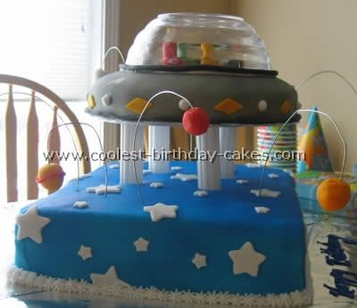 Coolest Spaceship Cake Ideas Space ship Cake and Homemade