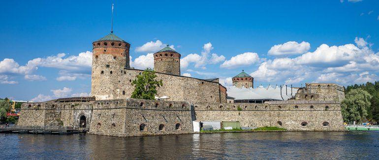 Savonlinnan seudun hostellit tarjoavat edullista majoitusta oopperavieraille ja muilla matkailijoille