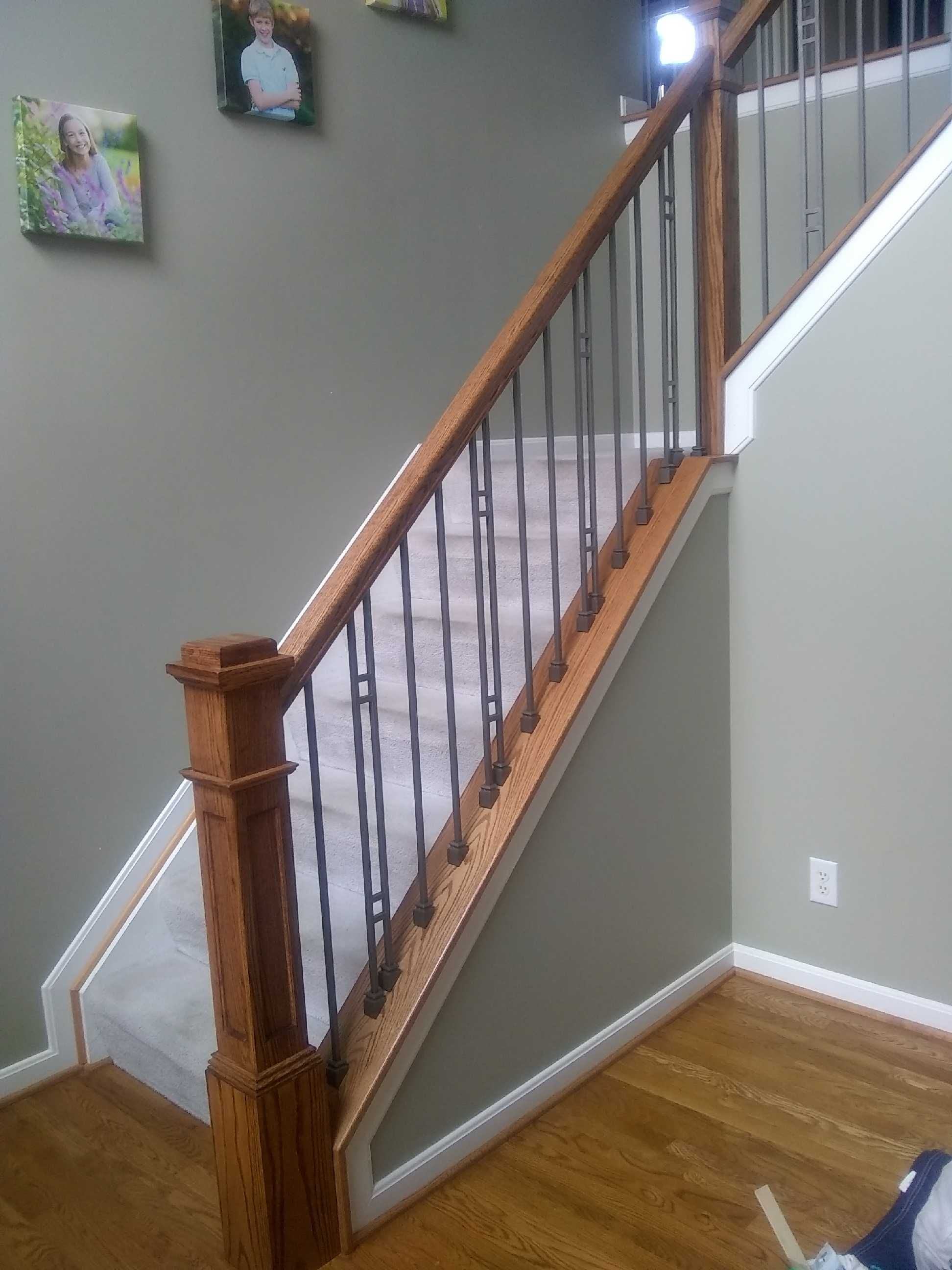 Best Wood And Iron Handrail System Featuring Ash Grey Balusters 640 x 480
