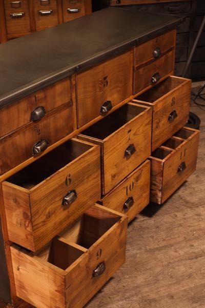 Jaylac Renaud Antiquites Brocante Toulouse Mobilier Ancien De Metier Meuble De Metier Mobilier De Salon Meuble A Tiroir