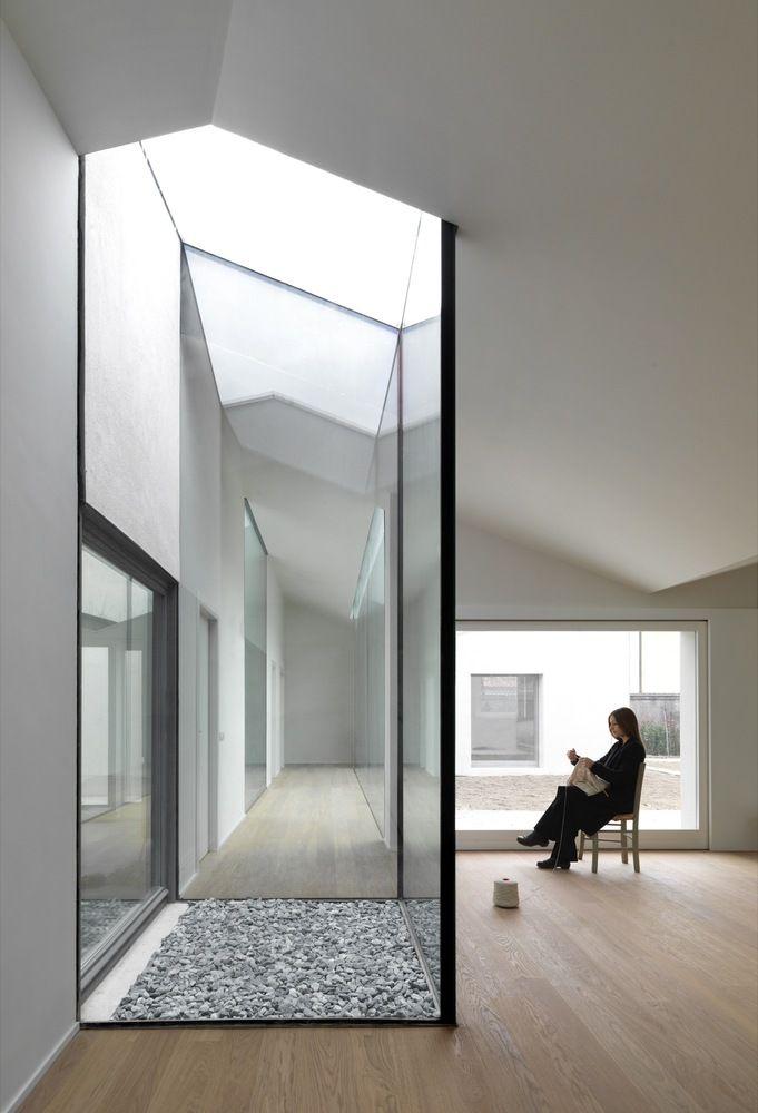 Internal Affairs Interior Designers: Gallery Of Wigglyhouse / Ifdesign - 11